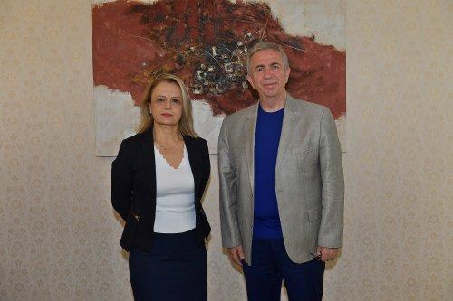 Ankara Büyükşehir Belediye Başkanı Mansur Yavaş radyocularla buluştu.